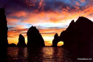 Tropicat Pez Gato Sunset Cruise in Cabo San Lucas, see the arch
