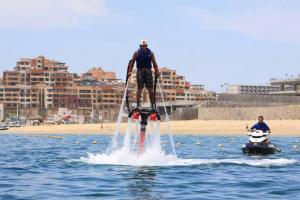 flyboard los cabos is the latest craze and the newest activity to do on the beach of cabo San Lucas, cabo flyboards in Medano beach