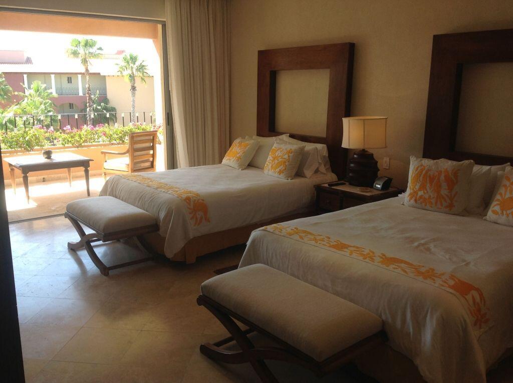 las residencias bedroom