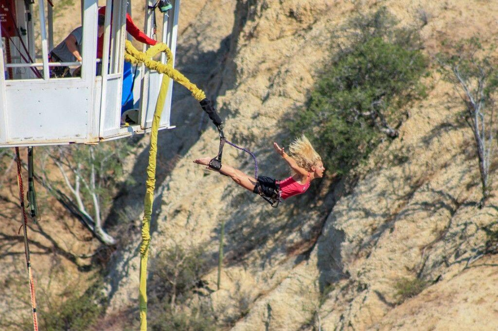 bungee-jump-girl