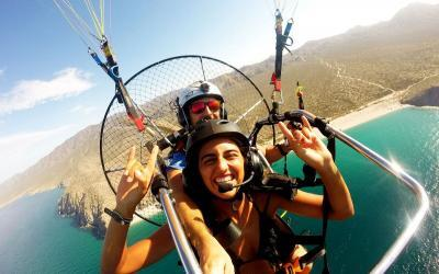 paragliding mexicos favourite tourist destination cabo san lucas coastline