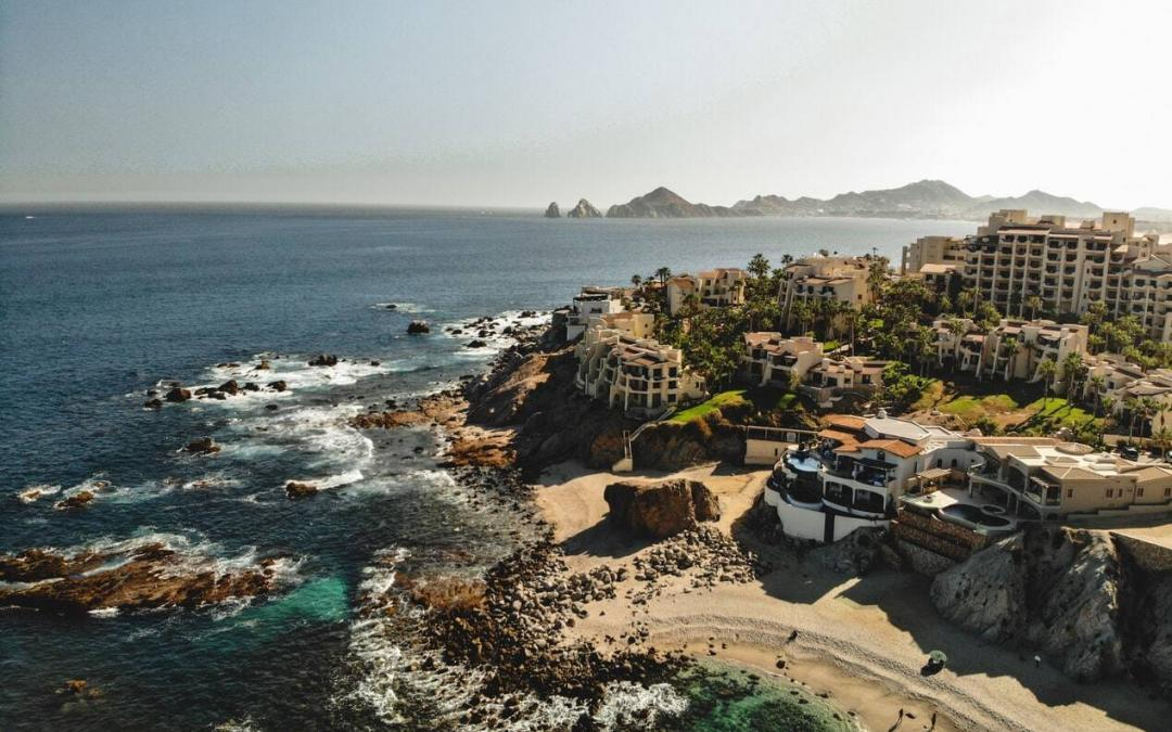 Things to do in Cabo San Lucas: Parasailing vs. Paragliding
