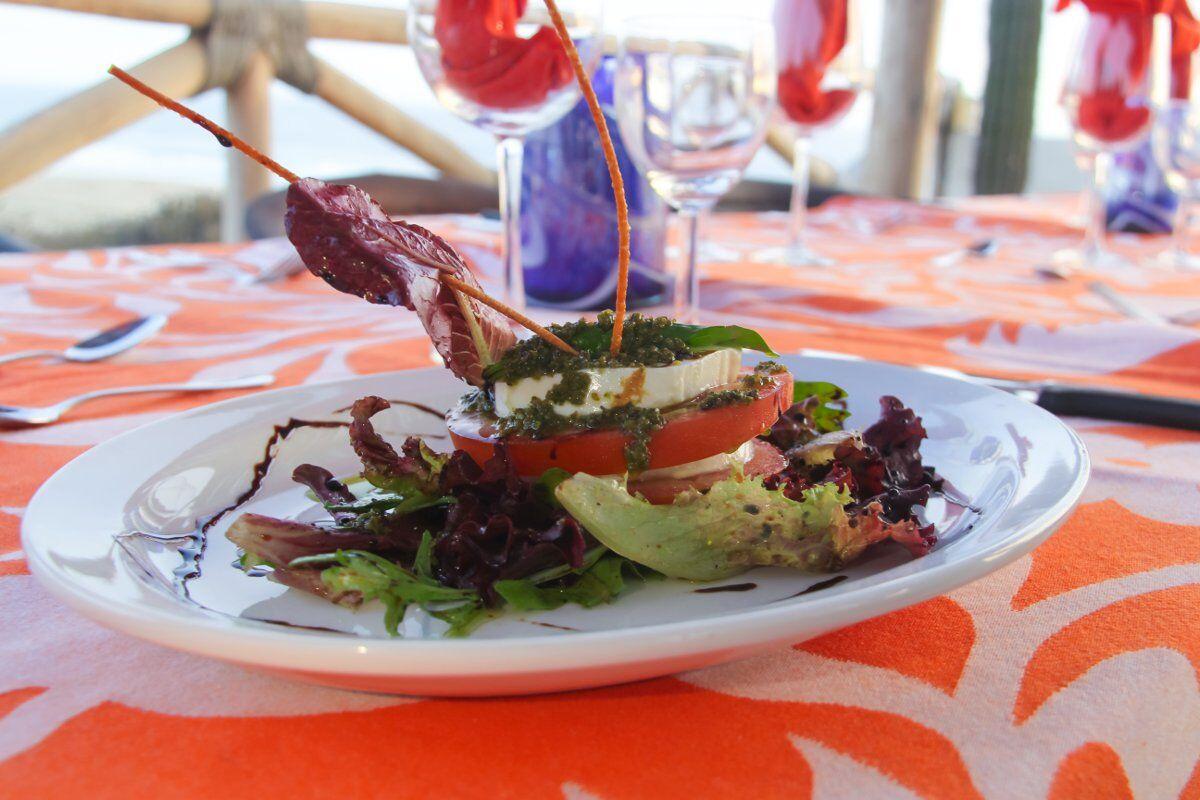 sunset-dinner-salad